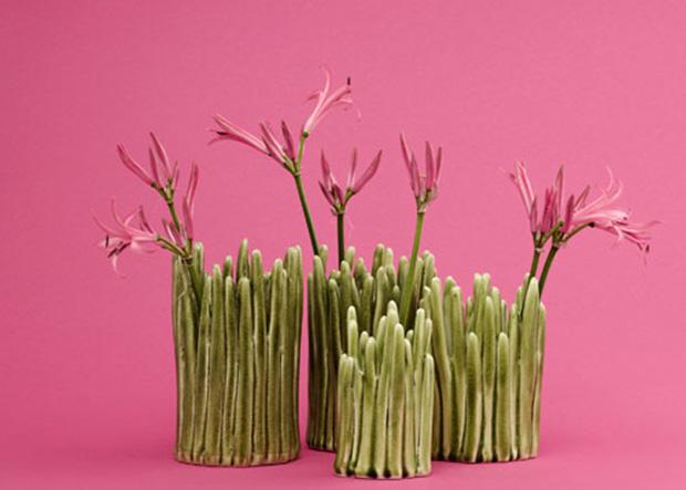 grass-vase-pink-background