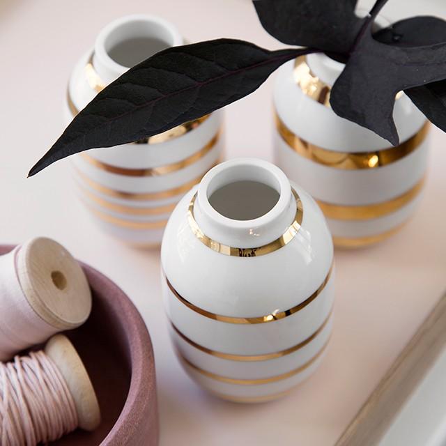 omaggio-vaser-miniature-guld-design-kahler