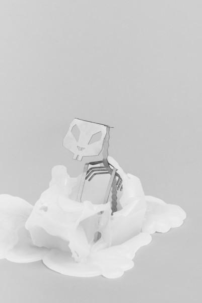 pyropet-white-bunny-rabbit-hoppa-skeleton-candle-2_grande_a00b3f1f-03ff-4782-803a-850228acc994_grande