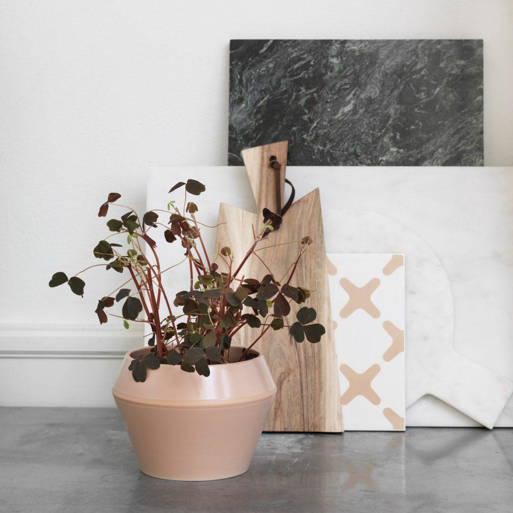 byLassen-Rimm-Flowerpot-Camel-White-Ambiente-10