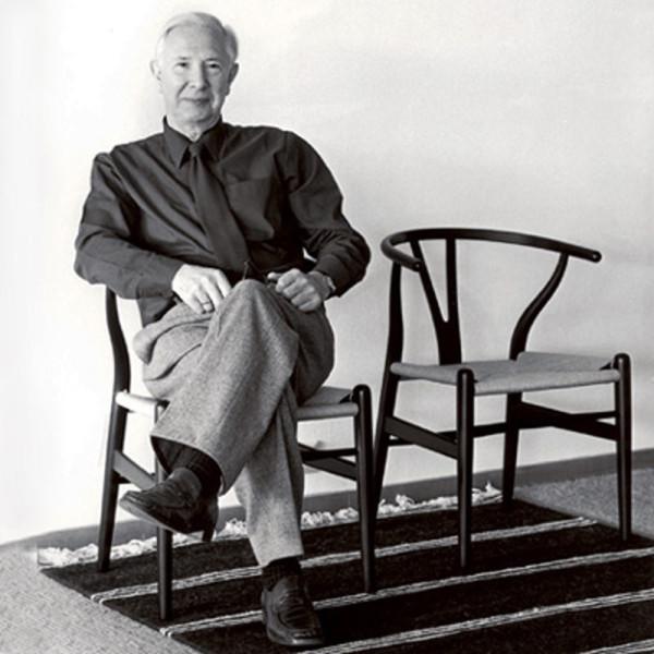 Decon-Wishbone-Chair-Carl-Hansen-2-Wegner-600x600